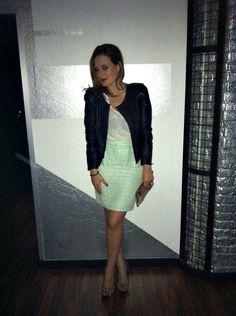 Falda verde!!! (by Marta Antolinez) http://lookbook.nu/look/3346961-falda-verde