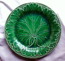 Wedgwood Antique Majolica Light Green Cabbage Leaf Plate by LeSoleilShining on Etsy Cabbage Leaves, Green Cabbage, Antique Plates, Decorative Plates, Green China, Green Lettuce, Green Plates, Beautiful Fruits, China Patterns