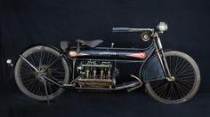 Moto centenária é vendida por quase US$ 500 mil nos EUA Henderson Four é a 1ª motocicleta com motor de 4 cilindros