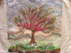 Árvore bordada por Maria Helena 2013. Muito linda ...