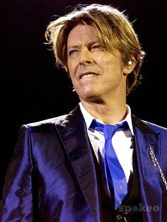 David Bowie, at Hammersmith Apollo, 2002 - The Gemini Spacecraft David Bowie Born, David Bowie Starman, Ziggy Stardust, Hammersmith Apollo, The Thin White Duke, Major Tom, New Star, David Jones, The Man