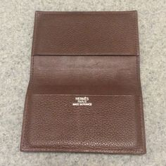 ✨FLASH SALE✨Hermes Card Holder ✨24 HOUR FLASH SALE ENDS 1/27 @ 7PM!✨ Authentic brown leather Hermes card holder perfect for credit cards or business cards, men or women. Hermes Accessories Key & Card Holders