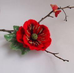 Felt flower brooch-Felt flower pin felted wool by YuliasFeltworld Felt Flower Scarf, Felt Flowers, Diy Flowers, Fabric Flowers, Paper Flowers, Flower Headbands, Flower Ideas, Felt Diy, Felt Crafts