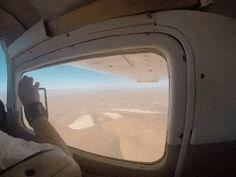 Modalità aereo. – GIFZONE