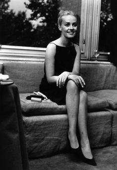 Jeanne Moreau (b. 19