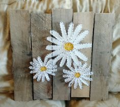 A Hint of Spring: Daisy String Art by Ashelynn Duvick String Wall Art, Nail String Art, String Crafts, Yarn Crafts, Arte Linear, String Art Patterns, Thread Art, Paper Embroidery, Pin Art