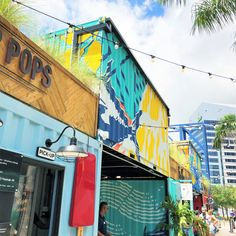 For a delicious place to eat in Tampa, check out these three food halls! Each one has a variety of cuisines and fun events #tampa #florida #foodie