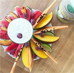 Ich liebe Früchte! Detox Frühstück: Muskeln und das Immunsystem stärken. Beides mit einem Proteinshake zu pushen, zu versorgen, zu regenerieren und den Muskelaufbau und Fettabbau zu unterstützen. Super cool. Die Flohsamen, die ebenso im Body Vanilla Shake enthalten sind, unterstützen die natürliche Reinigung des Darms und helfen beim Entgiften. 1-2x/Jahr Istrien Darmreinigung sinnvoll. Du kannst laut den Jungs von Natural Mojo sogar bis zu zwei Mahlzeiten mit dem Shake ersetzen.