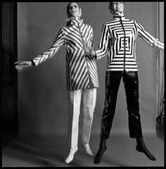 Queen Magazine - Veruschka von Lehndorff - 1965 by Brian Duffy. Sixties Fashion, Mod Fashion, Stripes Fashion, Fashion Fabric, Fashion Art, Fashion Beauty, Vintage Fashion, Fashion Design, Fashion History