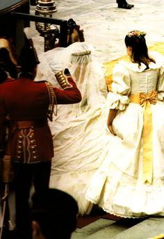 Finally  Lady Diana arrives at St. Paul's Cathedral and we all get a glimpse of the much awaited dress.  It's stunning...a true fairytale princess dress.