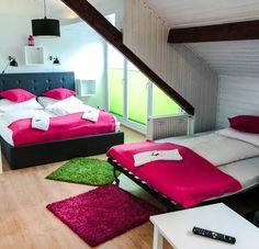 Auch für Familien eignen sich unsere Zimmer perfekt mit einem zusätzlichen Bett! Bad Godesberg, Villa, Das Hotel, Outdoor Furniture, Outdoor Decor, Home Decor, Birthing Center, Families, Art Nouveau