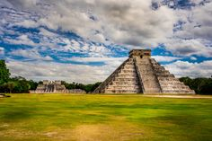 Chichén Itzá - This one I took when I was on a vacations in Mexico. One of the most stunning places on earth. Maybe a little overadvertised, maybe 'prepared' for tourists, but still very impressing. Unfortunatelly its oaded with tourists (I tried to cut'em off :) ) One of the must-to-see places :)