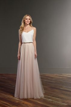 Pleated Tulle Wedding Dress Martina Liana Anni Itchy anniitchy brautkleid With the combination of the Taye top and the Sawyer skirt, brides can easily create a casual wedding dress. The Martina Liana Separates collection offers this casual pairing of Tulle Skirt Wedding Dress, Tulle Wedding, Wedding Dress Styles, Boho Wedding Dress, Chiffon Dress, Dress Skirt, Blush Tulle Skirt, Tulle Skirts, Whimsical Wedding