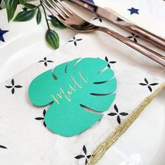 Botanical Leaf Place Card with Handwritten Calligraphy for Events and Weddings All Names, Calligraphy Handwriting, Handmade Wedding, Different Shapes, Gift Guide, Place Cards, Events, Weddings, Calligraphy