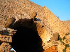 Outside Porta all'Arco - Volterra - Tuscany #volterra #volterratur