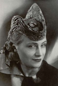 1940s Hat by Caroline REBOUX  - Paris, Officiel de la mode 1941 - 234