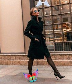 40 Classy Winter Office Attires For Women  <br> 40 Classy Winter Office Attires For Women, You can collect images you discovered organize them, add your own ideas to your collections and share with other people. Black Women Fashion, Look Fashion, Fashion Beauty, Classy Fashion, Feminine Fashion, Elegant Fashion Style, Suit Fashion, Fashion 2018, Cheap Fashion