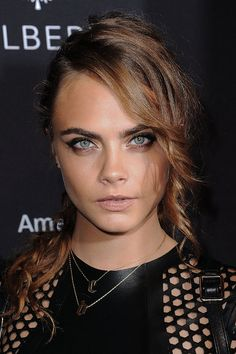 Cara Delevingne's sexy hair and makeup look