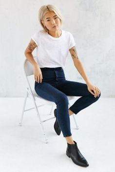 Rollas Scorpion High-Rise Skinny Jean - Blue - Urban Outfitters