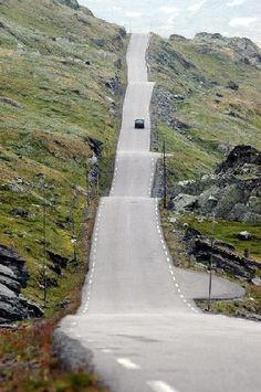 Road Jotunheimen, Norway from KC Martin. Beautiful Norway, Beautiful Roads, Beautiful Places, Places To Travel, Places To See, Norway Viking, Dangerous Roads, Visit Norway, Oslo