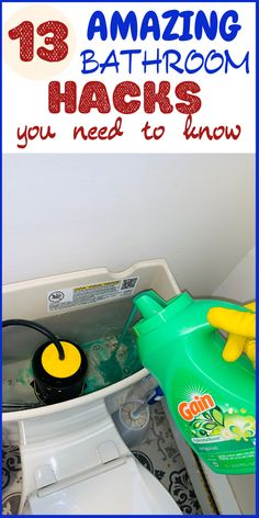These clever and brilliant bathroom hacks will leave your bathroom smelling amazing.There are lots of cleaning tips and tricks to get the job done out there.These cleaning tips and smell hacks are all time best to make home cleaning easy. Diy Home Cleaning, Household Cleaning Tips, Cleaning Recipes, House Cleaning Tips, Diy Cleaning Products, Cleaning Solutions, Spring Cleaning, Cleaning Supplies, Cleaning Mold