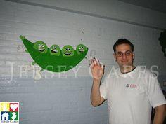 Such cute dancing vegetables painted by this UBS volunteer in a Hoboken school cafeteria!