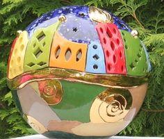 Skulpturen - Große Gartenkugel im Hundertwasser Stil m. Echt... - ein Designerstück von Creativton-de bei DaWanda