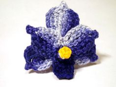 Crochet Blue Vanda Orchid with instructions at http://melibondre.com/blog/?p=4217.