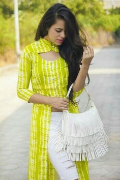 Aakriti Rana created a post - post. I got this neon long top from Missa More and completely fell in love with the refreshing color. Salwar Designs, Simple Kurti Designs, Kurta Designs Women, Kurti Designs Party Wear, Neck Designs For Suits, Sleeves Designs For Dresses, Dress Neck Designs, Kurti Back Neck Designs, Chudidhar Neck Designs