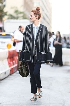 Street Style New York Fashion Week Day 5 - Image 17                                                                                                                                                                                 Mais