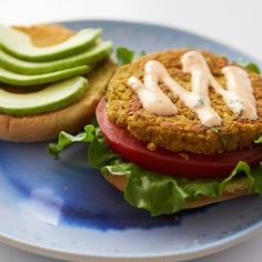 Vegan Eats: Liv B's Curried Chickpea Burger is a hearty meal with a kick Chickpea Burger, Vegetarian Burgers, Superfood Salad, Make Ahead Meals, Delicious Vegan Recipes, Meatless Monday, The Fresh, Food Processor Recipes, Curry
