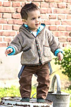 Models - B-Inspired Magazine Pantalón de pana B1453,  Disponible en marrón, rojo y fucsia PVP 14,85€/m