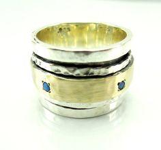 zilveren ring gehamerd goud zilver draaibare bands & opalen breed HadasGold op Etsy, $229.00
