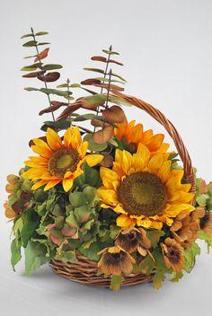Girasol ronda caída cesta seda arreglos florales por ChicFlowers