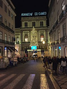 Baixa/Chiado Districts - #Christmas in the Armázens do #Chiado (Garrett Street). It is a 5min walk from our Chiado district #apartments.