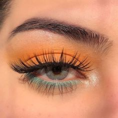 Makeup Eye Looks, Eye Makeup Art, Colorful Eye Makeup, Cute Makeup, Pretty Makeup, Skin Makeup, Eyeshadow Makeup, Pop Of Color Eyeshadow, Makeup Monolid