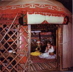 FolkCostume&Embroidery: Ala Ki'iz and Shyrdak, Felts of the Kirghiz