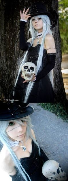 the Undertaker genderbend cosplay. I LOVE IT!!!!