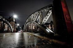 Hamburg bridge rain in the night Germany