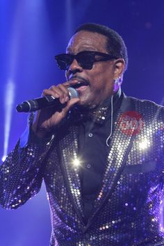 Charlie Wilson takes over the 20th Essence Festival stage by Joi Pearson Photography for Rolling Out