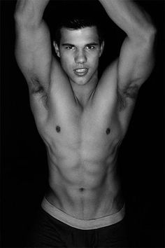 Taylor Lautner in Shirtless Po. is listed (or ranked) 1 on the list Hot Taylor Lautner Photos Taylor Lautner Shirtless, Jacob Black Twilight, Eye Candy Men, Beautiful Men Faces, Liam Hemsworth, Summer Body, Parkour, Dream Guy, Cute Faces