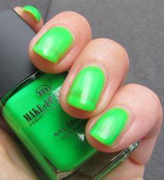 Make-up Studio Bright Nail Polish Neon N2