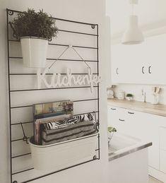 - Home Decor Grey Kitchen Cabinets, Grey Kitchens, Küchen Design, Kitchen Decor, Kitchen Ideas, Ladder Decor, Sweet Home, Organization, Halle
