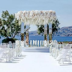 Useful Wedding Event Planning Tips That Stand The Test Of Time Wedding Ceremony Decorations, Wedding Themes, Wedding Events, Wedding Ideas, Lilac Wedding, Wedding Bouquets, Dream Wedding, Luxury Wedding, Santorini Wedding
