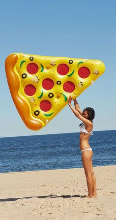 Pizza pool float!