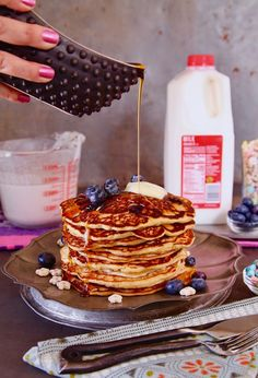 """#MorningsMeanMore- Blueberry Oat Cereal Milk Pancakes -my go to breakfast made with @realcalifmilk which has 13 essential nutrients. I """"Look For The Seal"""" and enjoy #RealCaliforniaMilk as an essential part of our breakfast routine because it is sustainably sourced from California dairy farm families. Parent to parent tell me how you incorporate cereal milk into your breakfast recipes? #ad #milkandcereal"""