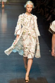 Dolce & Gabbana Spring 2014 RTW - Runway Photos - Fashion Week - Runway, Fashion Shows and Collections - Vogue 2014 Trends, Runway Fashion, Fashion Show, Fashion Design, Fashion Trends, Milan Fashion, Fashion Glamour, Glamour Moda, Milano Fashion Week