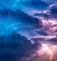 The Mighty Voice of God Thunders [Meditation on Ps alm Saint Germain, Storm Pictures, Storm Images, Rain And Thunderstorms, Witchcraft Books, Magick Spells, Saint Esprit, Parcs, Urban Landscape