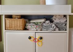 1000 images about child proofing on pinterest pipe for Baby proof kitchen cabinets
