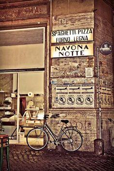 Pizzera Dolce Pizza    Retrouvez toute l´authenticité d´une pizza romaine dans un restaurant de quartier.    Http://www.dolcepizza.fr